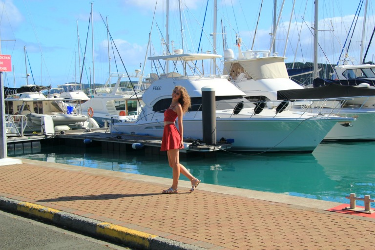 look-holister-twinset-red-noumea-side