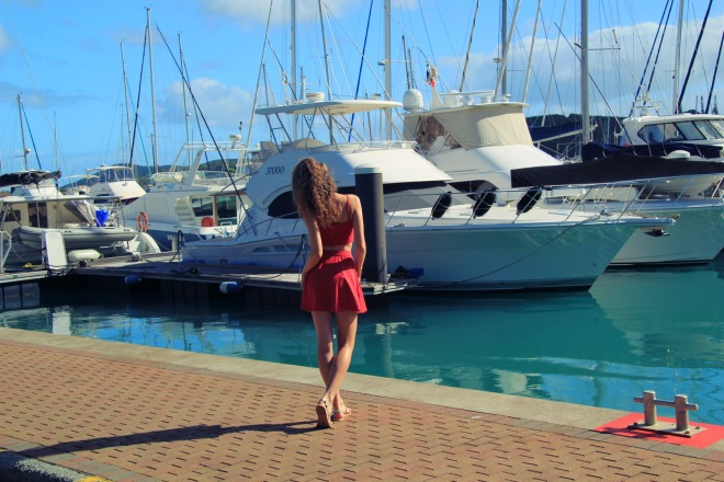 look-holister-twinset-red-noumea
