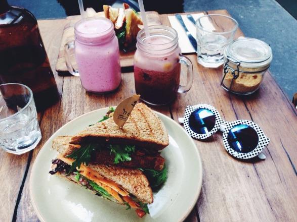 sandwich-jamboncru-chevre.jpg